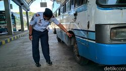 Tak Laik Jalan, Bus Angkutan Lebaran Dikeluarkan dari Terminal di Ponorogo