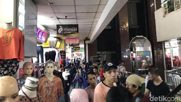 Pasar mulai dibuka sejak Jumat (4/5) kemarin