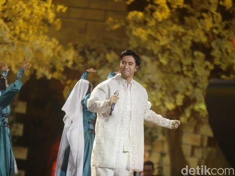 Vidi Aldiano Tutup Sunsilk Hijab Hunt 2019 dengan Lagu 'Definisi Bahagia'