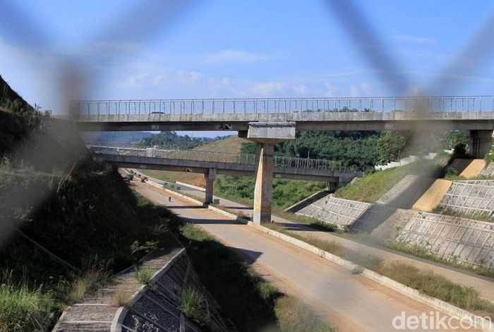 Sebagian ruas Jalan Tol Cileunyi-Sumedang-Dawuan (Cisumdawu) dapat digunakan untuk mudik 2019. Ruas jalan tol yang dapat digunkan memiliki panjang sekitar 5,5 KM.