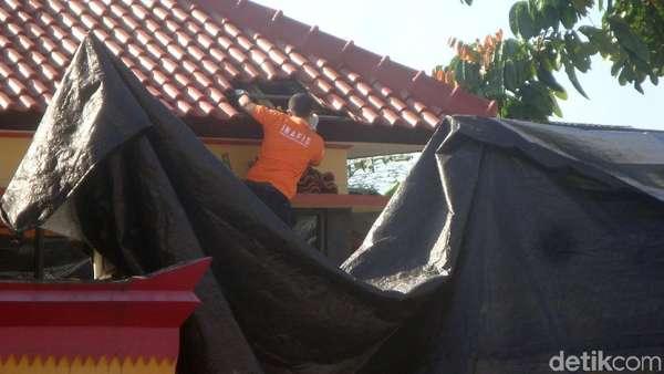 Penampakan Genting Pos Mako Brimob Purwokerto Rontok karena Tembakan