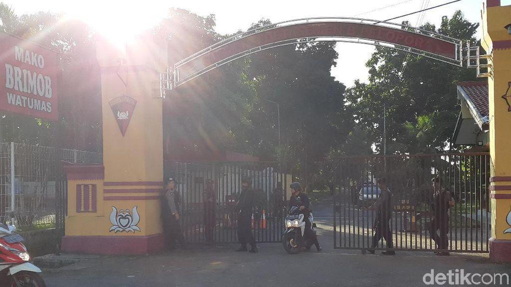 Penyerang Mako Brimob Purwokerto Melepas Tembakan dari Mobil