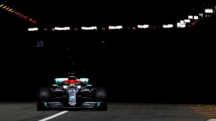Lewis Hamilton start terdepan di GP Monako. (Foto: Mark Thompson / Getty Images)