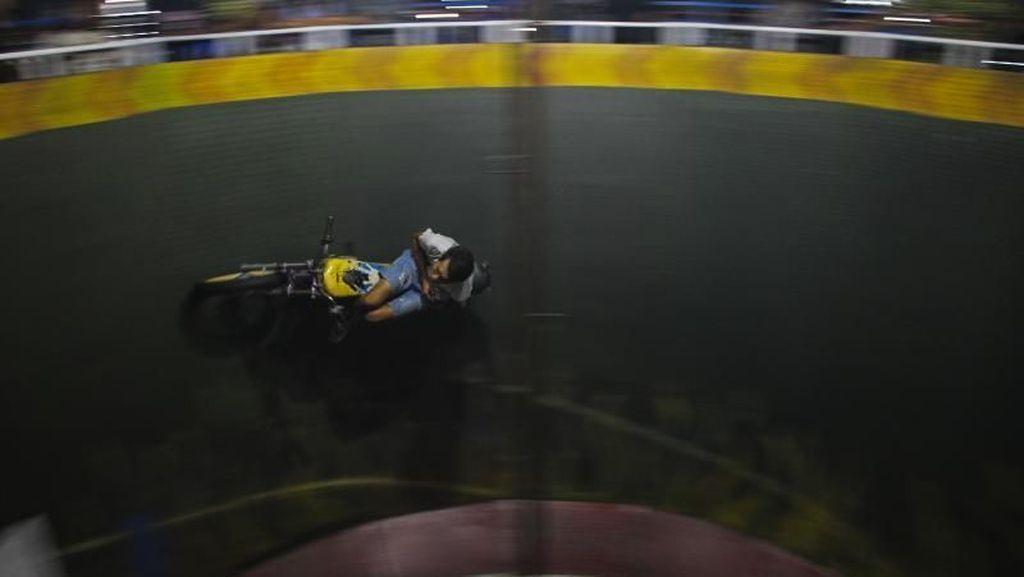 Serunya Atraksi Roda Gila di Makassar Saat Ramadhan