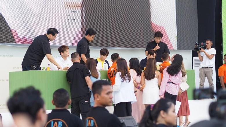 Fansign EXO Foto: Delia Arnindita Larasati/detikHOT
