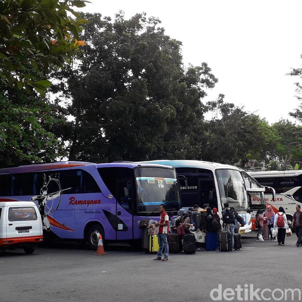 Penumpang Melonjak, Harga Tiket Bus Mudik di Terminal Jombor Sleman Naik