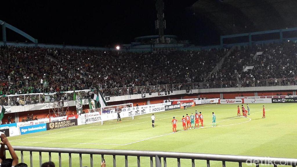 Soal Penalti Kontroversial PSS, Pelatih Semen Padang No Comment