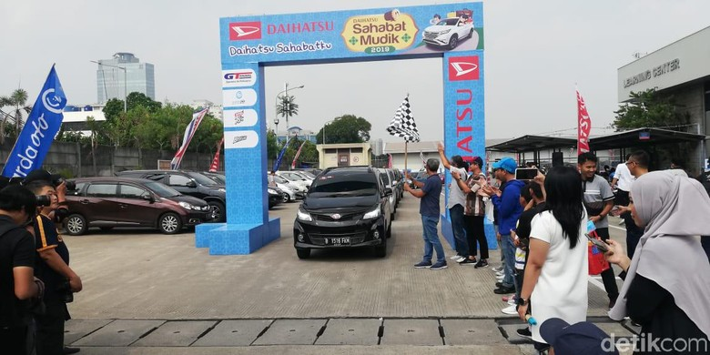 Daihatsu Berangkatkan Komunitas untuk Mudik. Foto: Rizki Pratama/detikcom