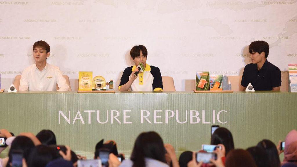 Ramai Banget! Venue Fansign EXO Dibanjiri oleh Fans