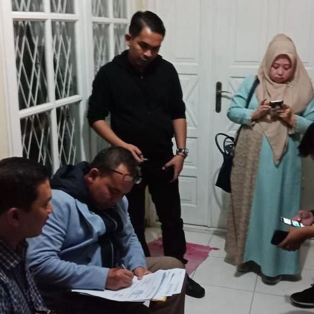 Istri Cerita Detik-detik Mustofa Nahrawardaya Diciduk Polisi