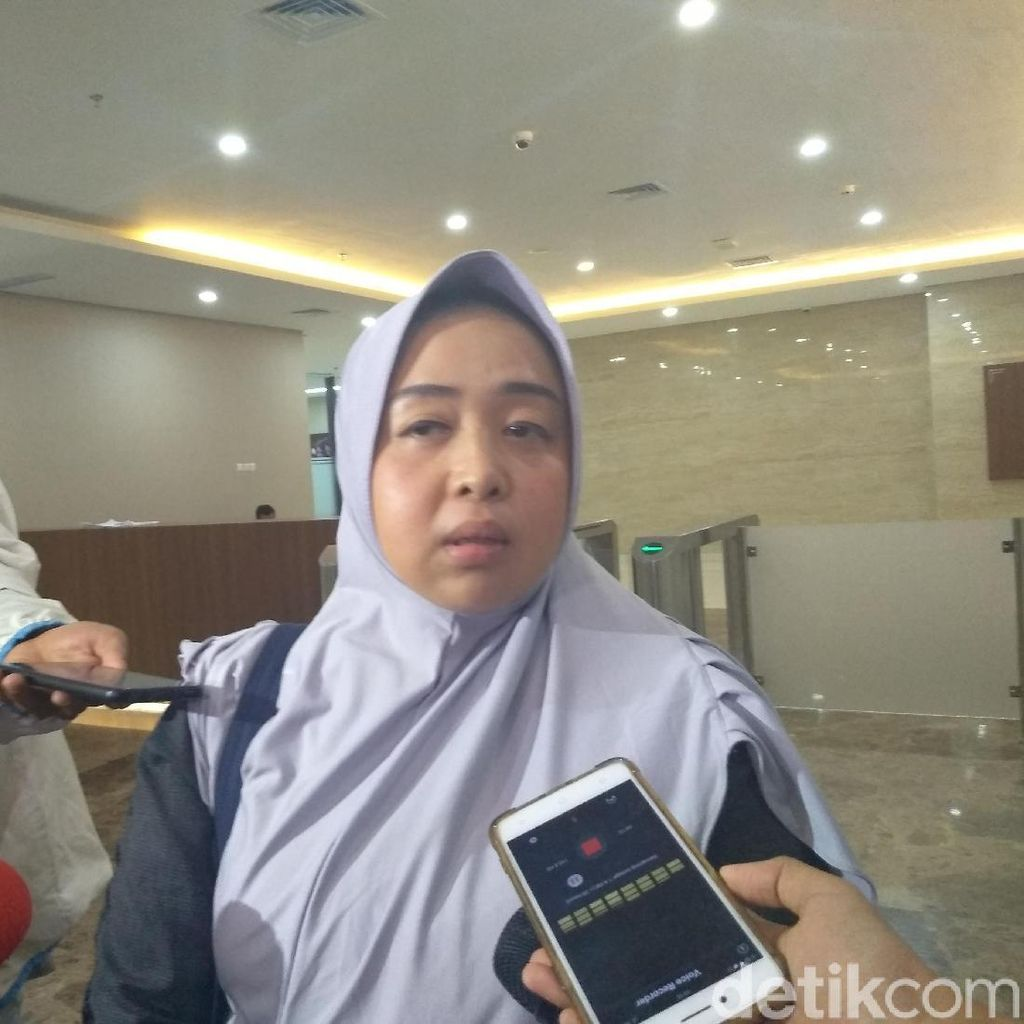 Tiba di Bareskrim, Istri Bawakan Obat untuk Mustofa Nahrawardaya