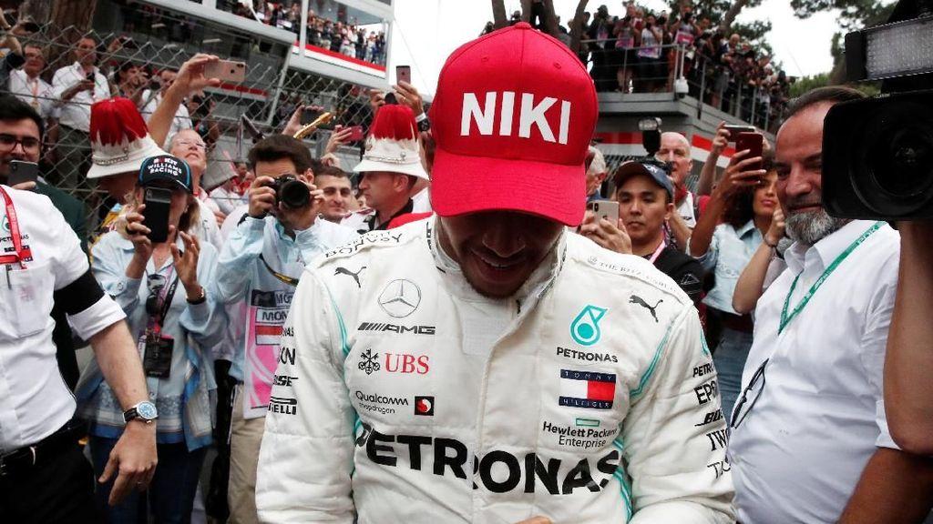 Hamilton Persembahkan Kemenangan di GP Monako untuk Niki Lauda