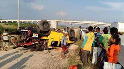 Sopir Ngantuk, SUV Tabrak Guard Rail Lalu Terbalik di Tol Nganjuk