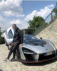 Ronaldo Pakai iPod Jadul Rp 300 Ribuan, tapi Mobilnya Miliaran
