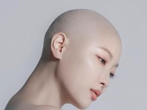 Momen Haru Saat Beuaty Vlogger Korea Gunduli Rambutnya Karena Kanker