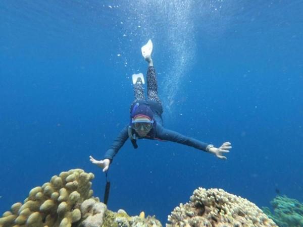 Ah, pasti menyenangkan bisa free diving di laut Bunaken. (Brigida Emi Lilia/dTraveler)