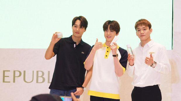 Dapat Kemeja Batik, Suho 'EXO': Cocok untuk Kostum 'Ko Ko Bop'