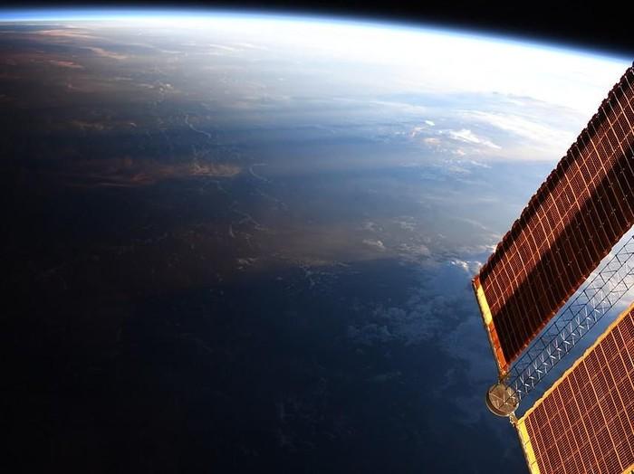 Bumi dilihat dari antariksa. Foto: NASA