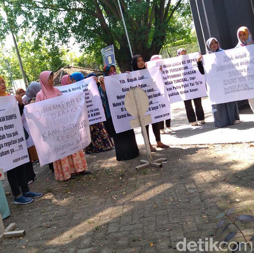 Dosen dan Karyawan Undar Jombang Tuntut Gaji 7 Bulan Belum Dibayar