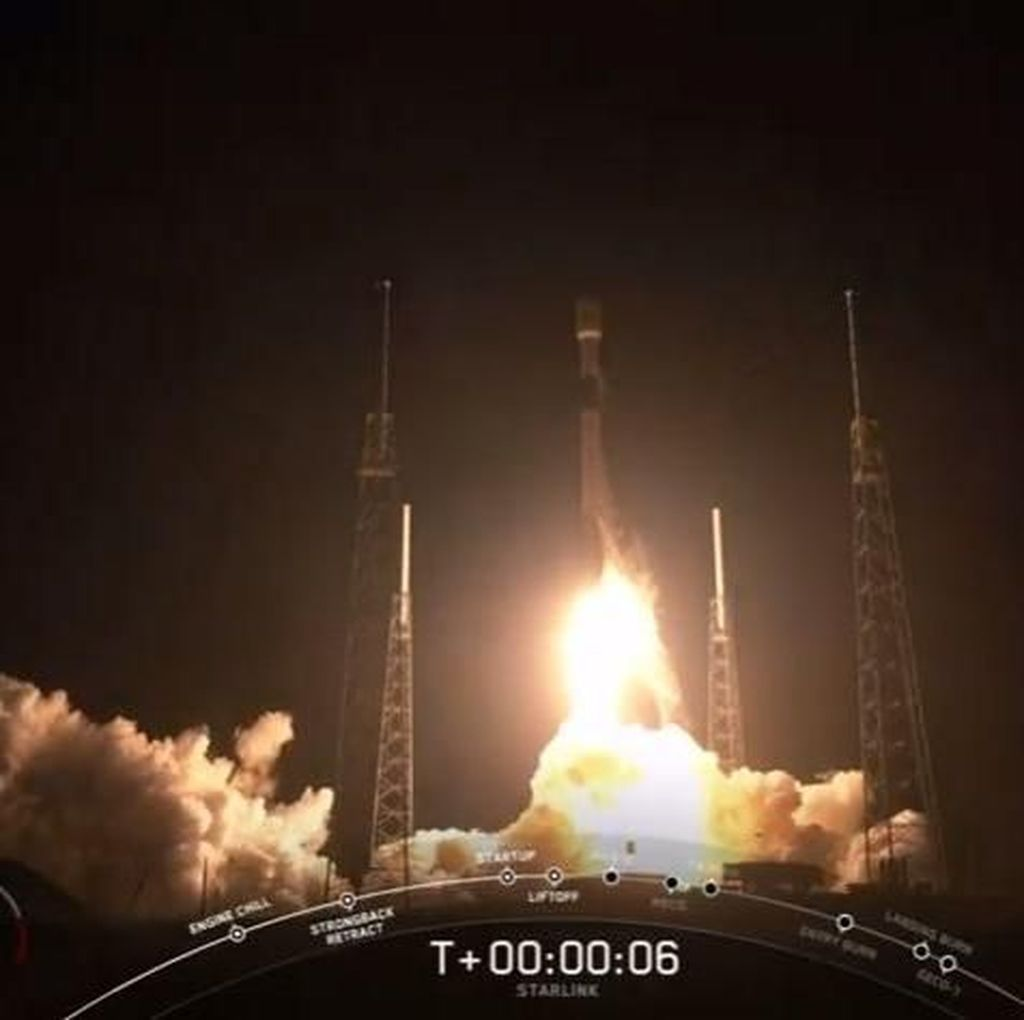 Potret Peluncuran 60 Satelit Internet Starlink Milik SpaceX