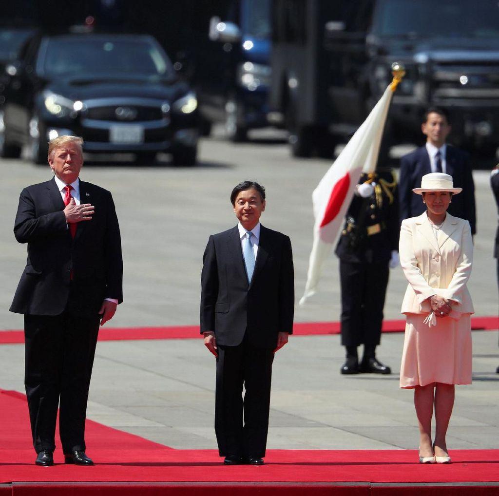 Donald Trump Bertemu Kaisar Jepang Naruhito