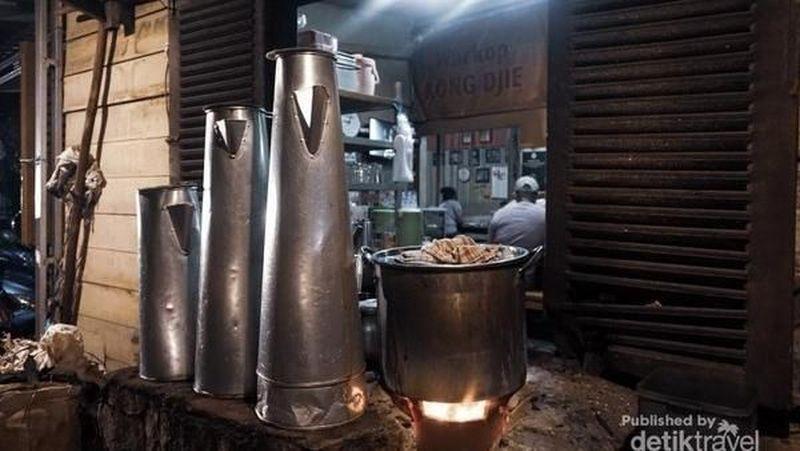 Kopi Belitung menjadi salah satu yang terkenal. Selain menjadi budaya, kopi khas Belitung juga memiliki rasa yang ikonik (Yogaku Puspita Rini Sagala/dTraveler)
