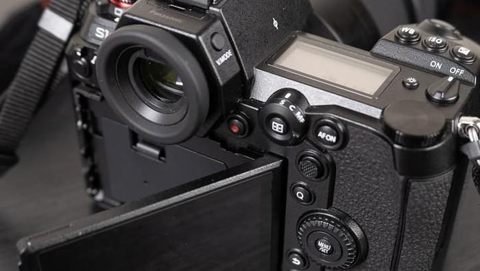 Panasonic Lumix S1R. (Foto: Dok. Enche Tjin)