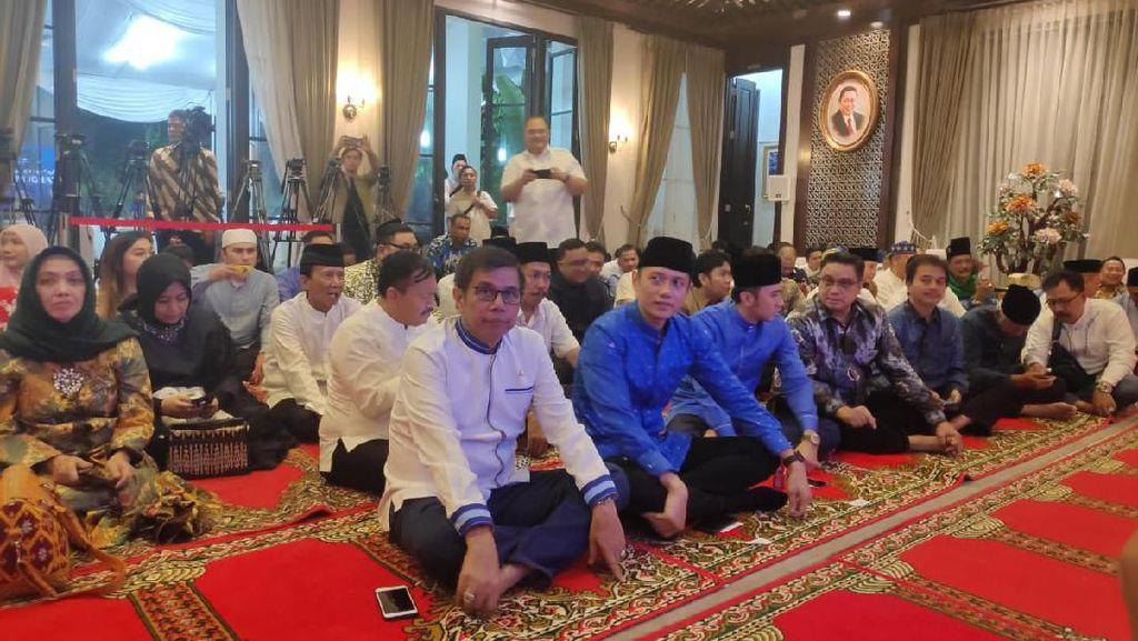 Di Acara Bukber Partai, Elite Demokrat Dengarkan Pesan SBY via Video