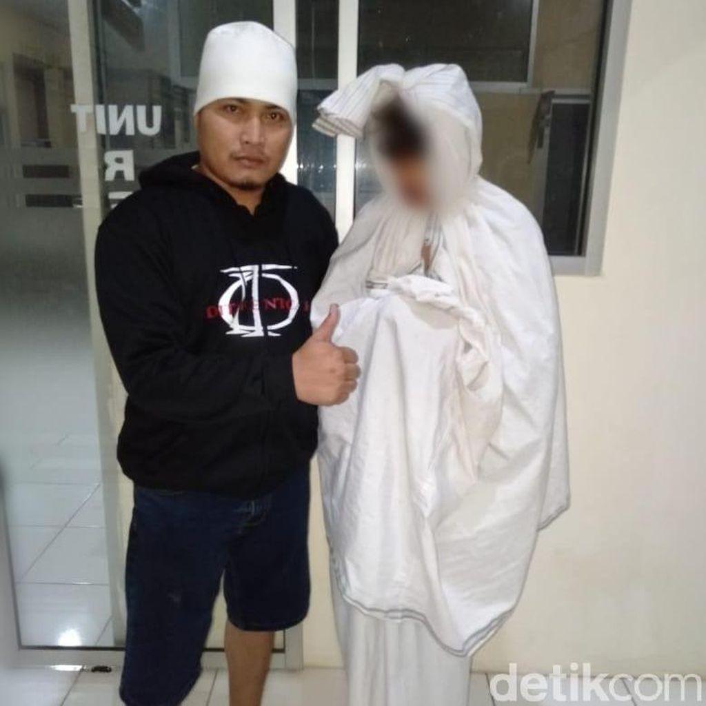 Polisi Tangkap Pocong yang Telah Sepekan Resahkan Warga Pemalang