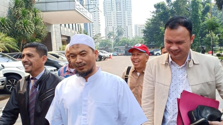 Ustaz Sambo Penuhi Panggilan Polisi soal Kasus Eggi Sudjana