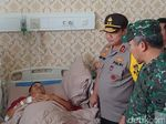 Kapolda Metro dan Pangdam Jaya Jenguk Anggota Korban Rusuh 21-22 Mei