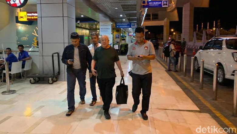 Todong Pistol ke Pedagang, Bos Mal dan Hotel di Makassar Ditangkap