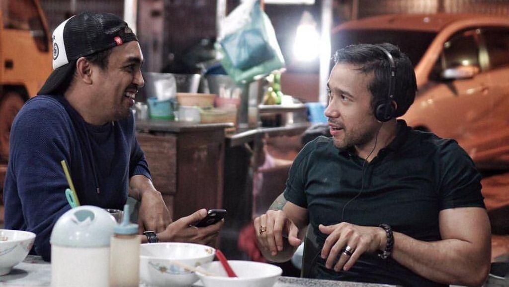 Kritik Prabowo-Sandi, Begini Gaya Kulineran Penyanyi Glenn Fredly