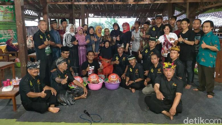 Minta Restu, Seniman Tari Mulai Garap Gandrung Sewu 2019