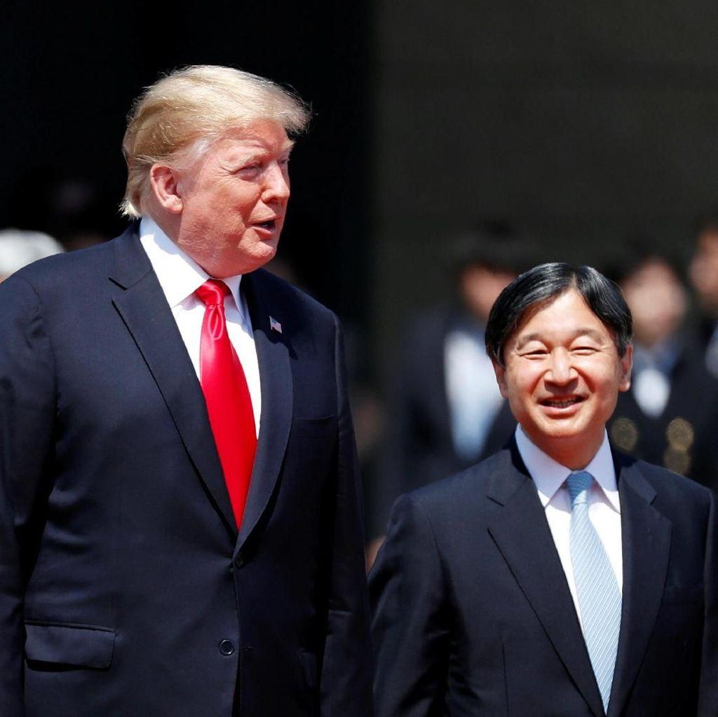 Trump Jadi Pemimpin Asing Pertama yang Bertemu Kaisar Baru Jepang