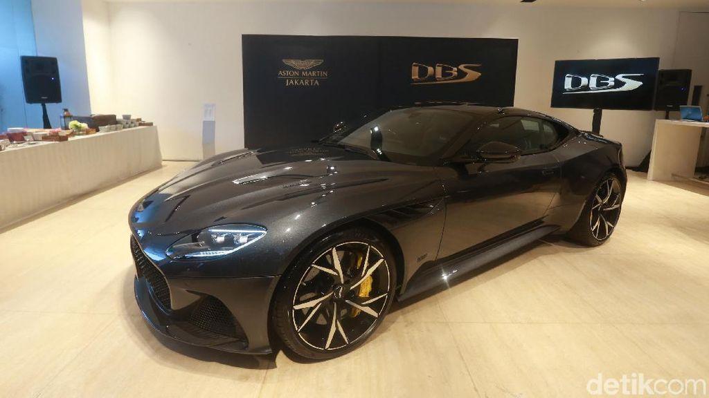 Jelang Lebaran, Aston Martin DBS Superleggera Sapa Indonesia