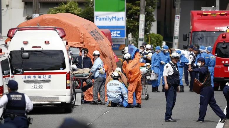 2 Orang Dikhawatirkan Tewas, 17 Luka-luka dalam Penikaman Massal di Jepang