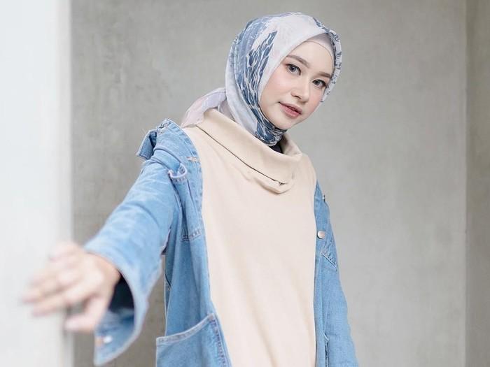 Bahjatina, model berhijab. Foto: Instagram/Bahjatina