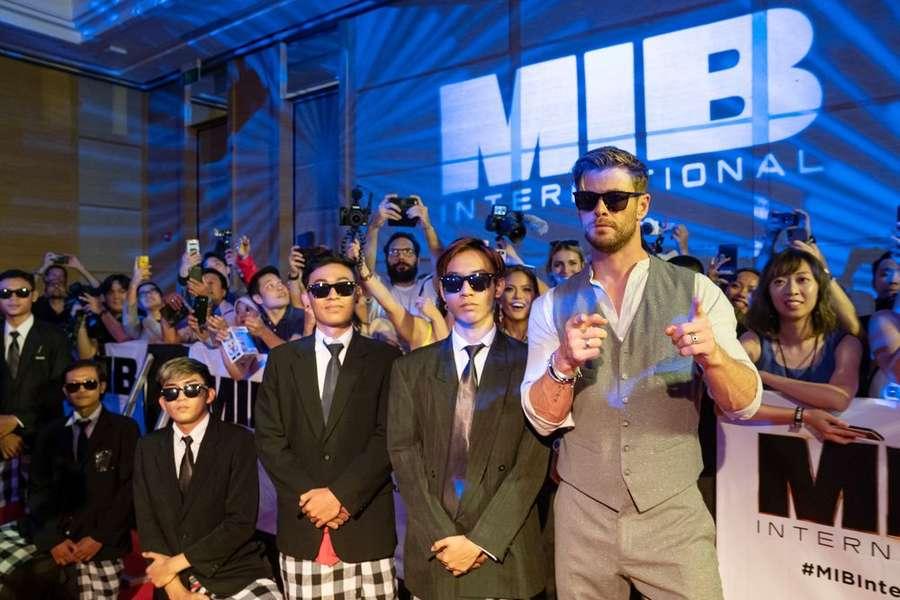 Chris Hemsworth Sukses Bikin Fans Wanita Menjerit