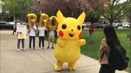 Pakai Kostum Pikachu Ajak Gebetan ke Pesta Prom, Aksi Pelajar Ini Viral