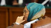 Ekspresi Ratna Sarumpaet Saat Dituntut 6 Tahun Penjara