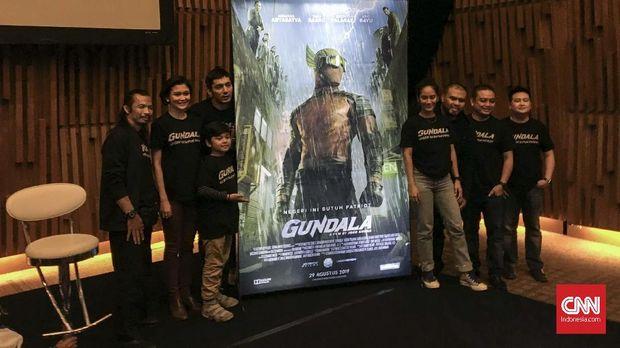 Poster 'Gundala' dirilis hari ini, Selasa (28/5).
