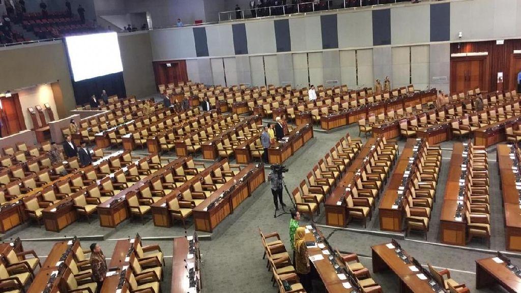 Bahas RAPBN 2020, Rapat Paripurna Cuma Dihadiri Setengah Anggota DPR