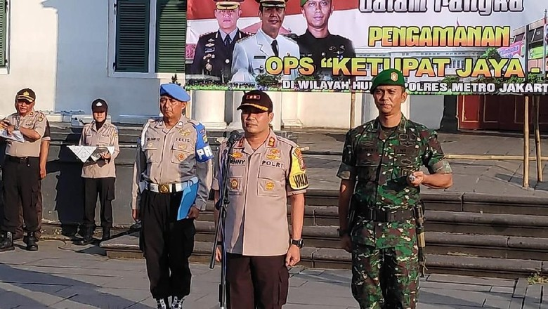 Polisi Patroli 24 Jam di Perumahan Warga Jakbar yang Ditinggal Mudik