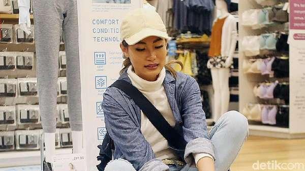 Ekspresi Lucu Patricia Gouw saat Belanja Jelang Lebaran