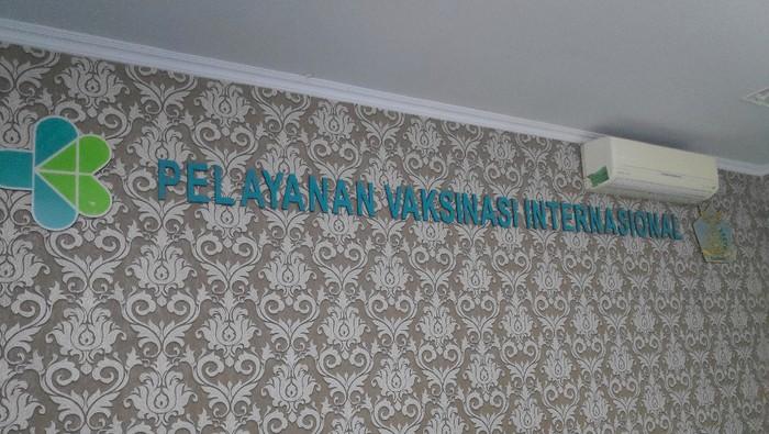 KPP di Sultan Hasanuddin mengantisipasi masuknya penyakit menular selama masa mudik. Mereka menyiapkan thermal scanner di terminal kedatangan bandara. Foto: Muhammad Taufiqqurrahman/detikcom