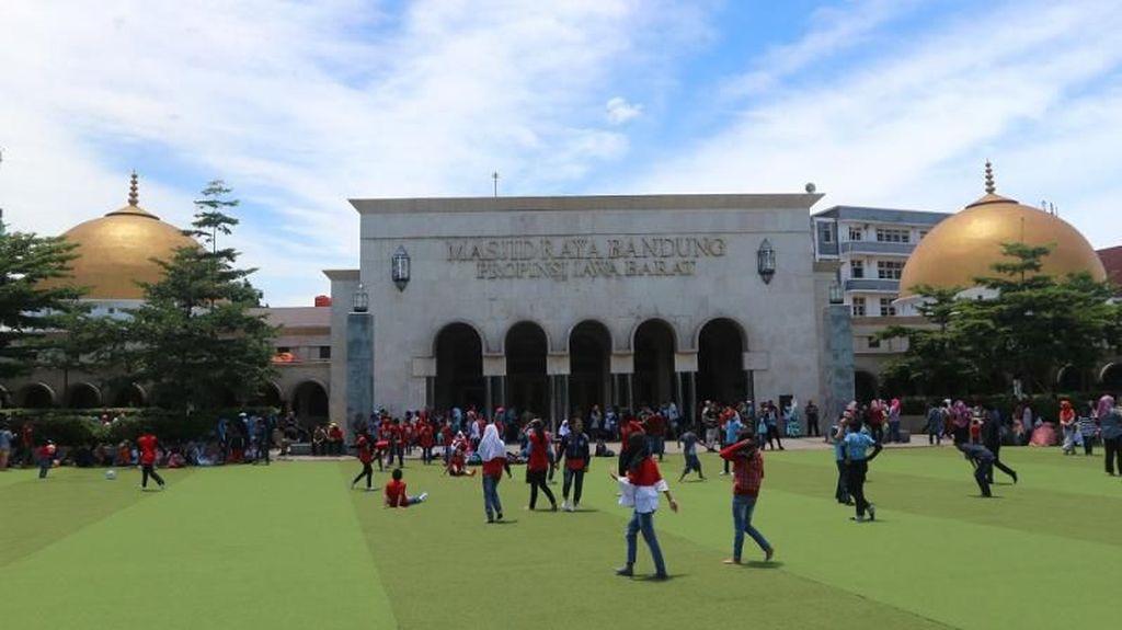 Masjid Raya Bandung Segera Gelar Salat Berjamaah, DKM: Jemaah Dibatasi
