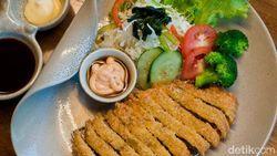 Menu Harian Ramadhan ke-23: Lezatnya Beef Katsu Hingga Curry Rice Jepang