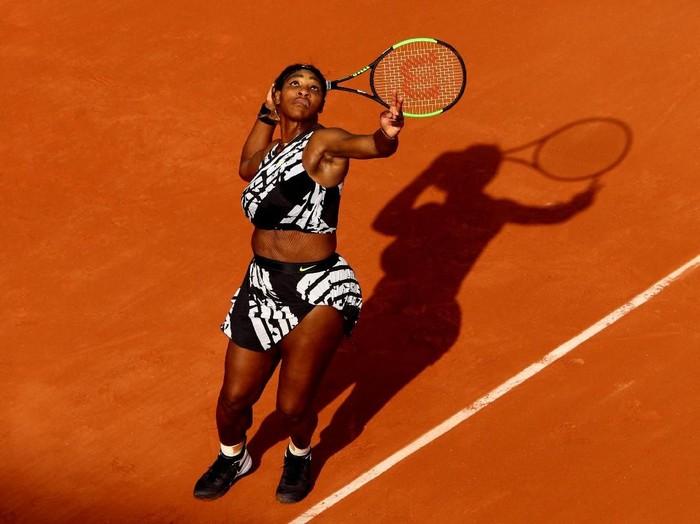 Serena Williams saat melawan Vitalia Diatchenko di Prancis Terbuka 2019. (Foto: Adam Pretty/Getty Images)