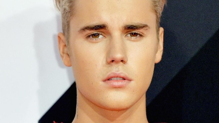Justin Bieber menantang Tom Cruise untuk duel di arena Ultimate Fighting Championship (UFC). Foto: Getty Images